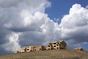 10月19日、9月の米住宅着工件数は9.0%減の年率104万7000戸。写真はコロラド州の住宅建設現場で8月撮影(2016年 ロイター/Rick Wilking)